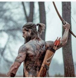 56d978c2a4b3c0f290cfd6d3c08ddbf2--viking-hair-styles-men-viking-men-hair