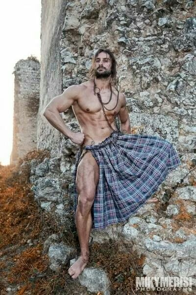 2865d6f3f4b785f1f75a9301193411ca--man-in-kilt-kilt-men