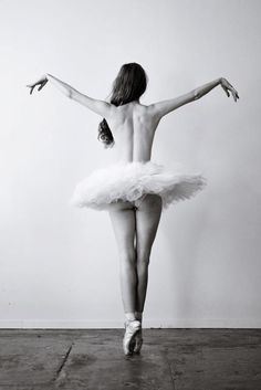 03ba4c44ff7fb2b09147a778251e1166--ballerina-photography-dance-photography