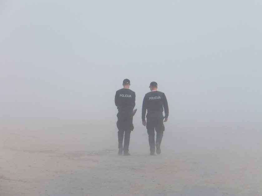 beach-fog-men-38442