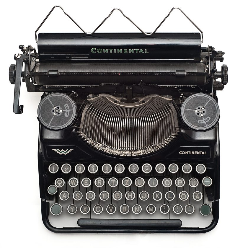 letters-old-typewriter-102100