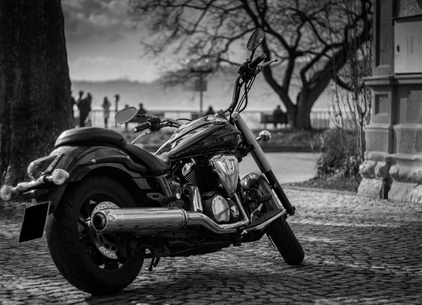 black-and-white-chrome-city-356010