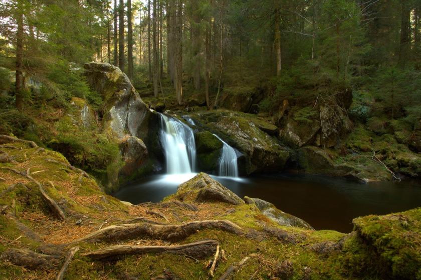 waterfall-2260543_1920
