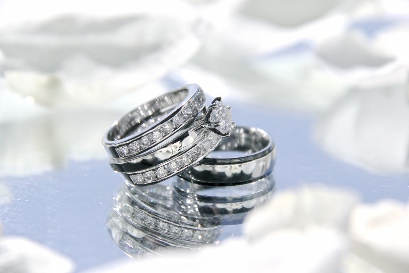 wedding-rings-2364418_1920