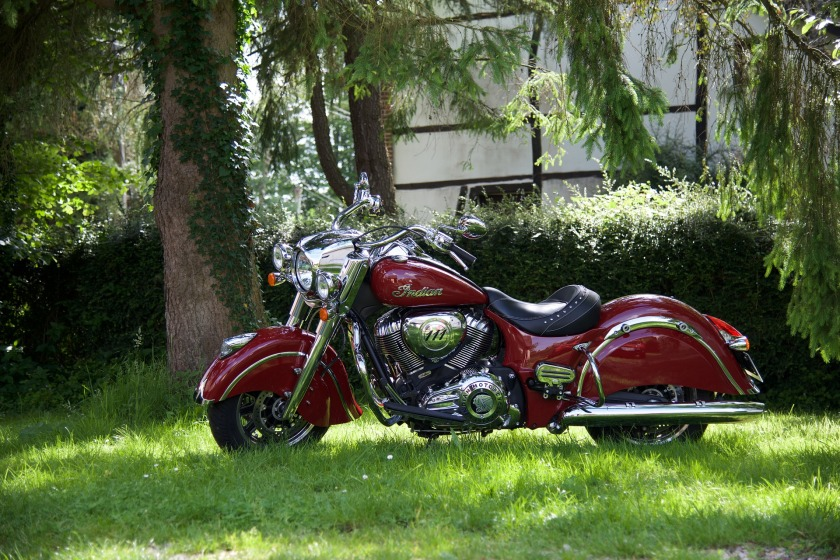 motorcycle-1590549_1920