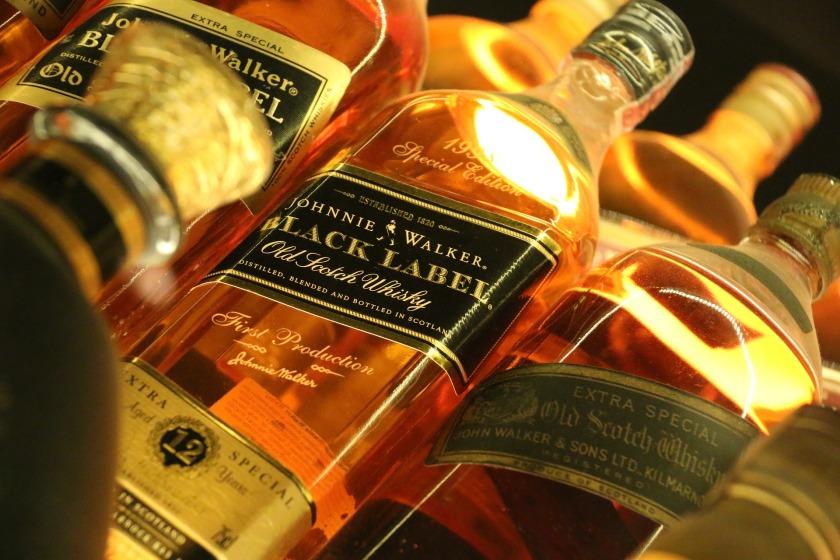 whiskey-1814159_1920