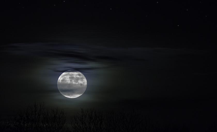moonlight-1226253_1920