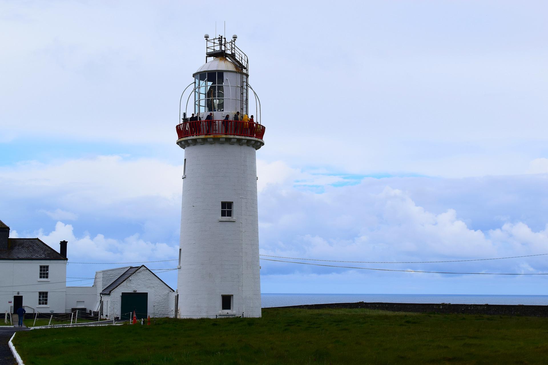 lighthouse-4278121_1920