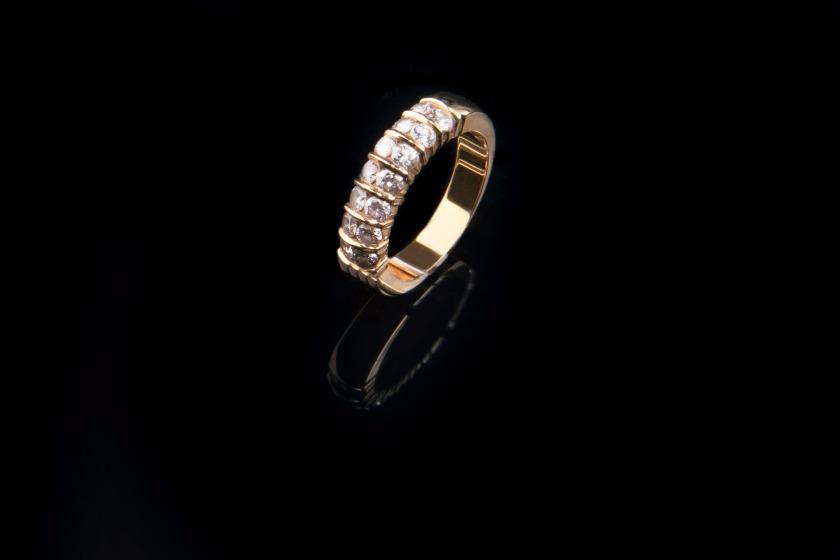 jewellery-1203951_1920